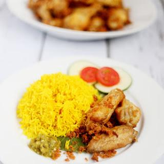 Turmeric rice / Nasi Kuning.