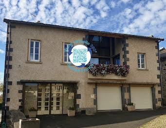 maison à Saint-Georges-de-Mons (63)