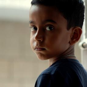 Sharp  by Swarup Roy Chowdhury - Babies & Children Children Candids ( children, candid, people, boy, portrait )