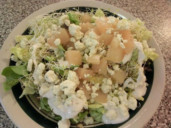 Gorgonzola Pear Salad W/alfalfa Sprouts Recipe