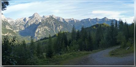 Photo: bis hierher wo man wieder in den Wald eintaucht.
