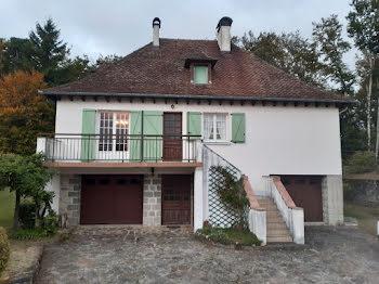 maison à Roumegoux (15)
