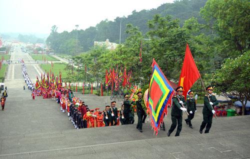 Hướng dẫn tổ chức Du lịch ngoại Khóa đền Hùng cho học sinh