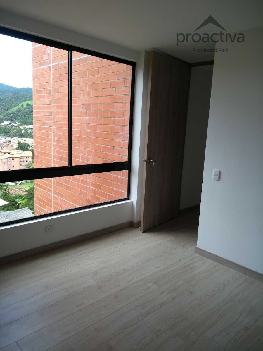 apartamento en arriendo el retiro 497-7240