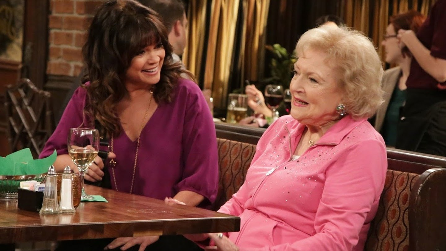 Watch Hot in Cleveland live