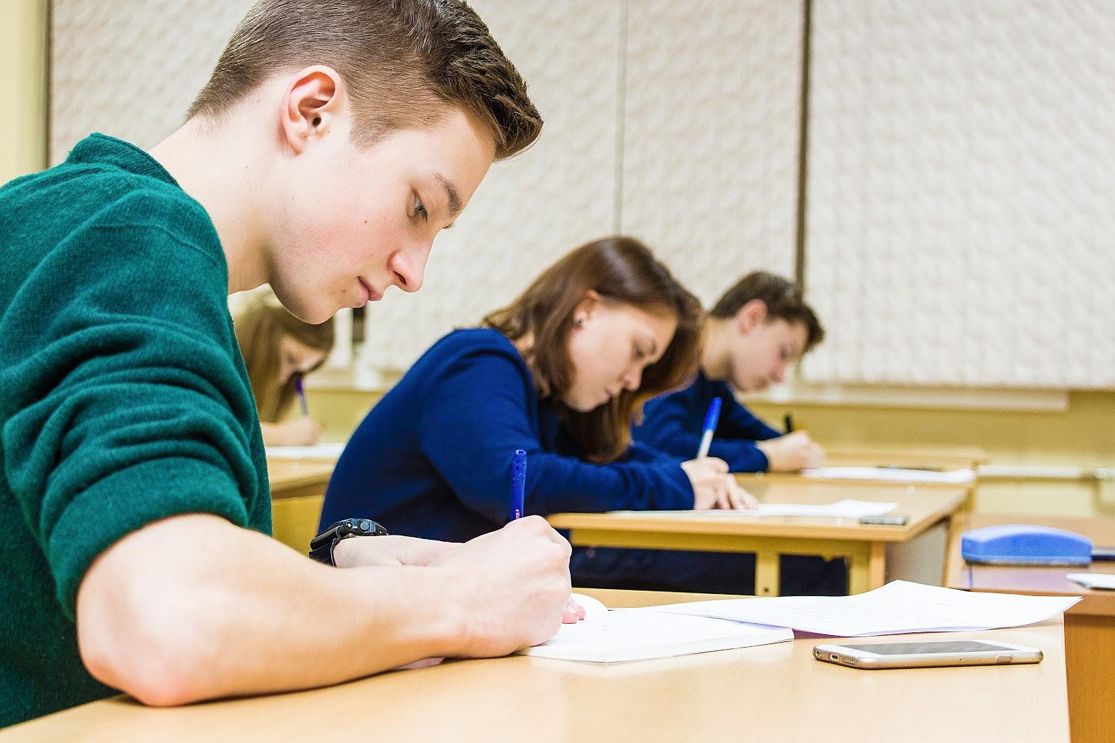 Студентки веселятся после экзамена, Студентки после экзамена » Порно видео онлайн 18 фотография