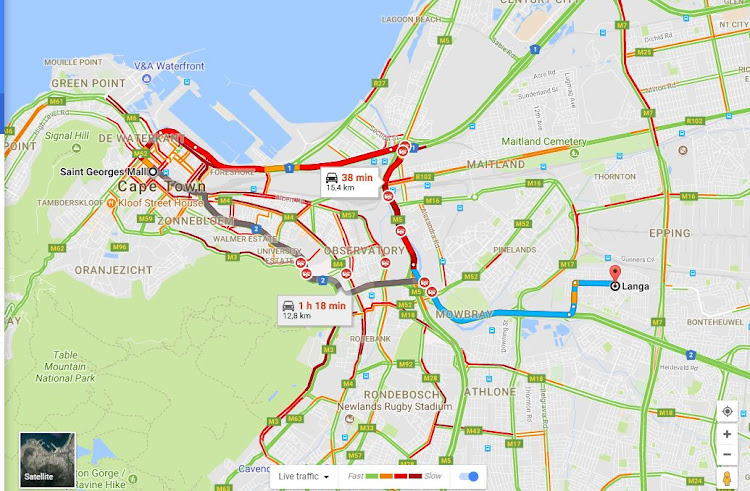 Traffic chaos as Cape Town N2 shut after oil spill