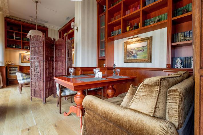 Фото №3 зала VIP-зал «Библиотека»