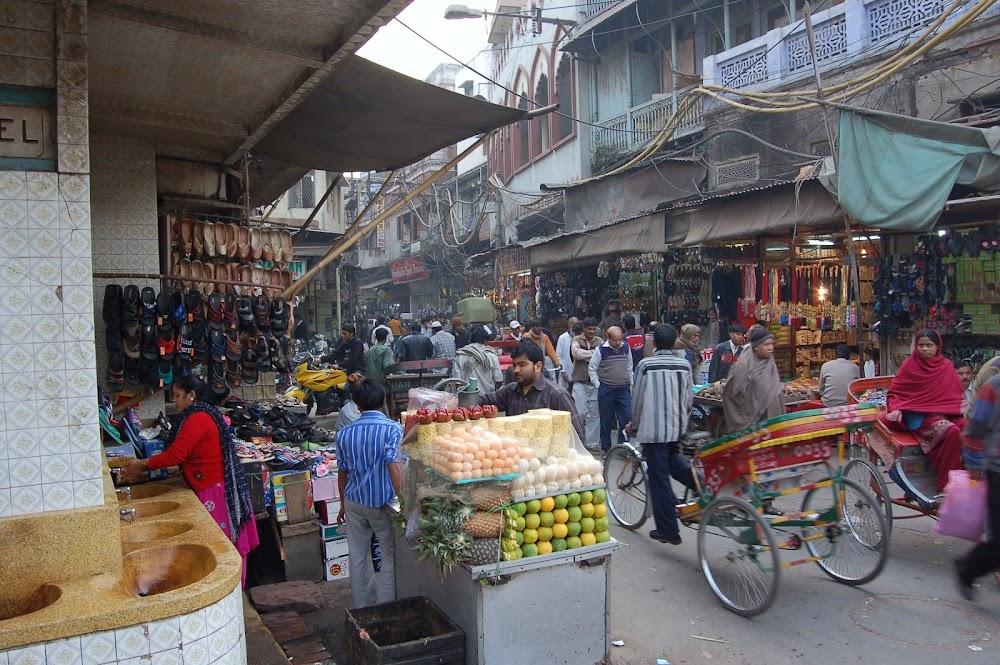 top-things-to-do-in-delhi_parathe_waali_gaali_1