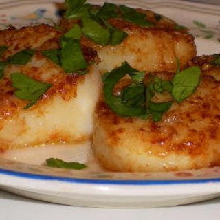 Sauteed Scallops with Garlic.