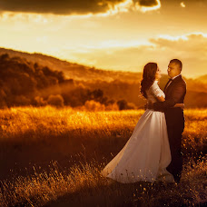 Wedding photographer Adrian Fluture (AdrianFluture). Photo of 11.10.2017