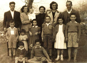 Photo: Felipe, Pili, Queti, Josefa, Adela, Cecilio. Abajo: Pepito, Maribel, Manolita, Ciliucu, Fefi y Lolo. Abajo: Pilarin y Susi.