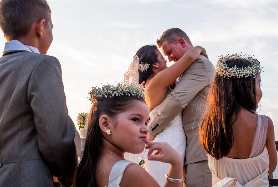 Wedding photographer Gabo Ochoa (gaboymafe). Photo of 28.09.2015