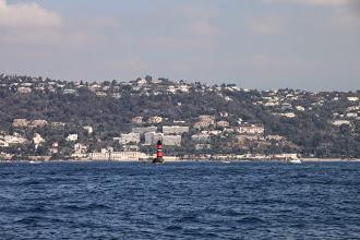 Photo: Le phare de la Fourmigue.