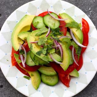 Ensalada de Aguacate y Tomate (Avocado and Tomato Salad)