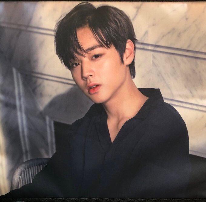 Jihoon-Black-00