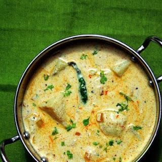 Dahi Aloo – potatoes in yogurt gravy