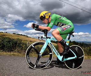 Ster van Van Aert schittert met de dag meer: groene trui vlamt naar tijdritzege, Teuns verliest leiderstrui met seconden
