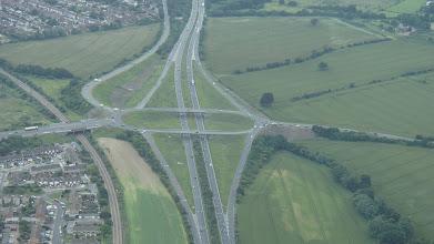 Photo: V anglii mají trochu jiné nájezdy na dálnice, taky jezdí na špatné straně