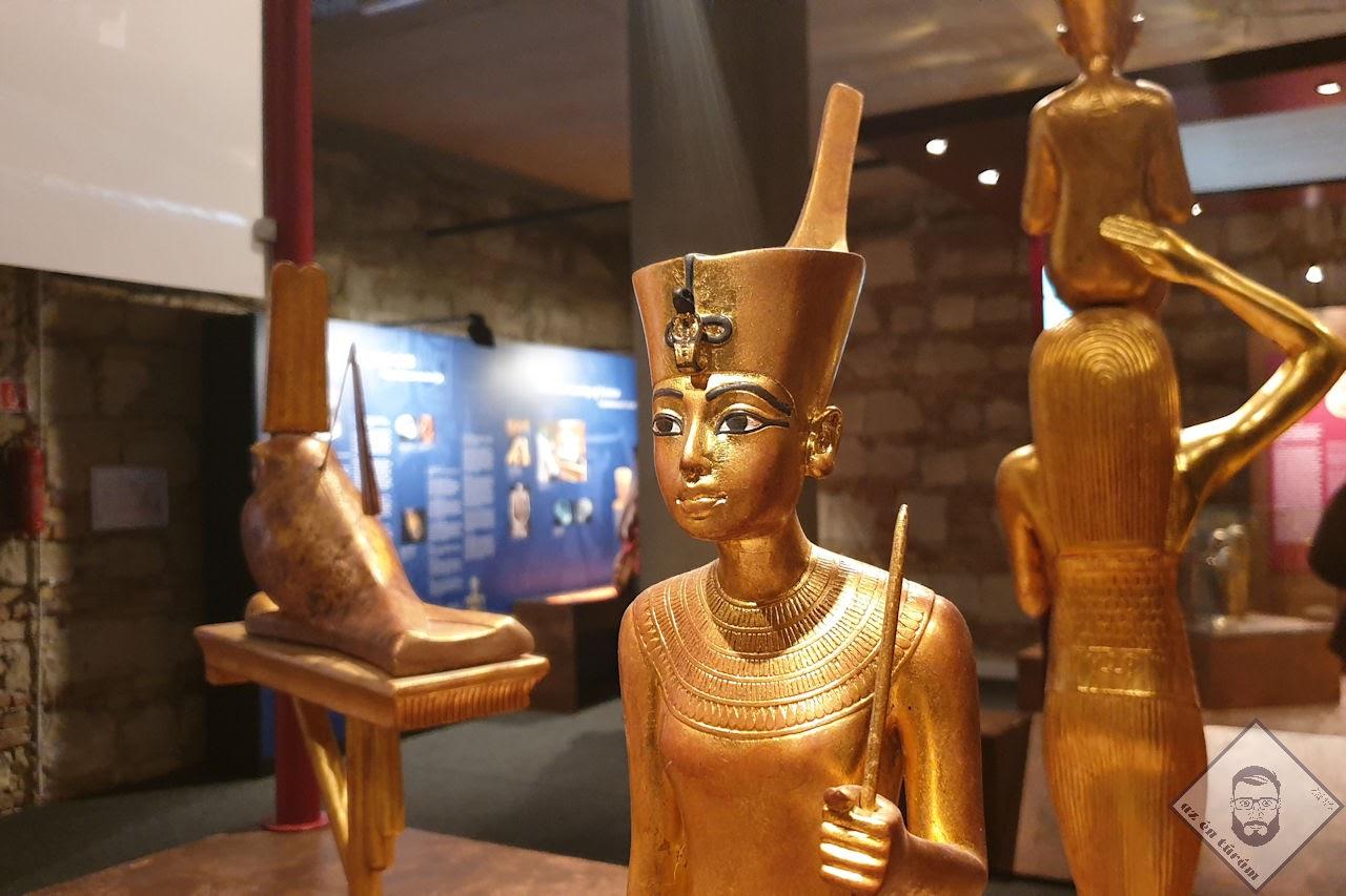 KÉP / A fáraót a túlvilágon szolgáló szobrok egyike