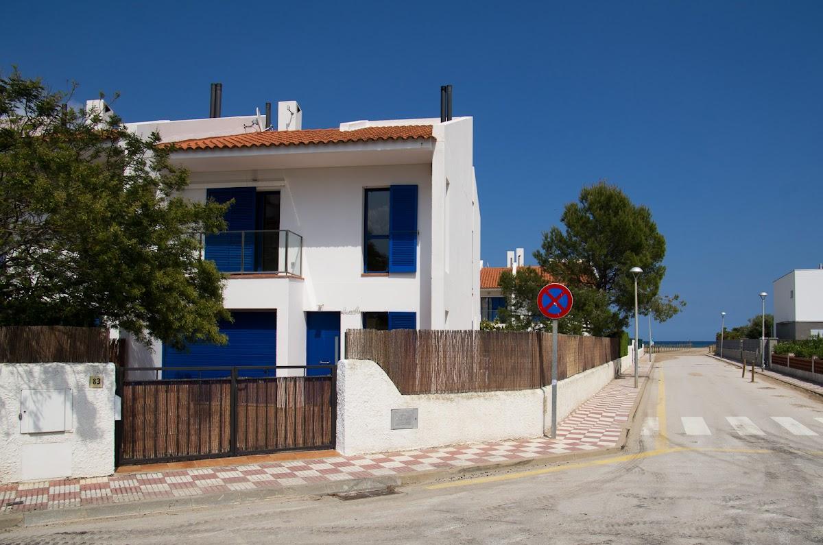 Unser Strandhaus, am Ende der Strasse das Meer