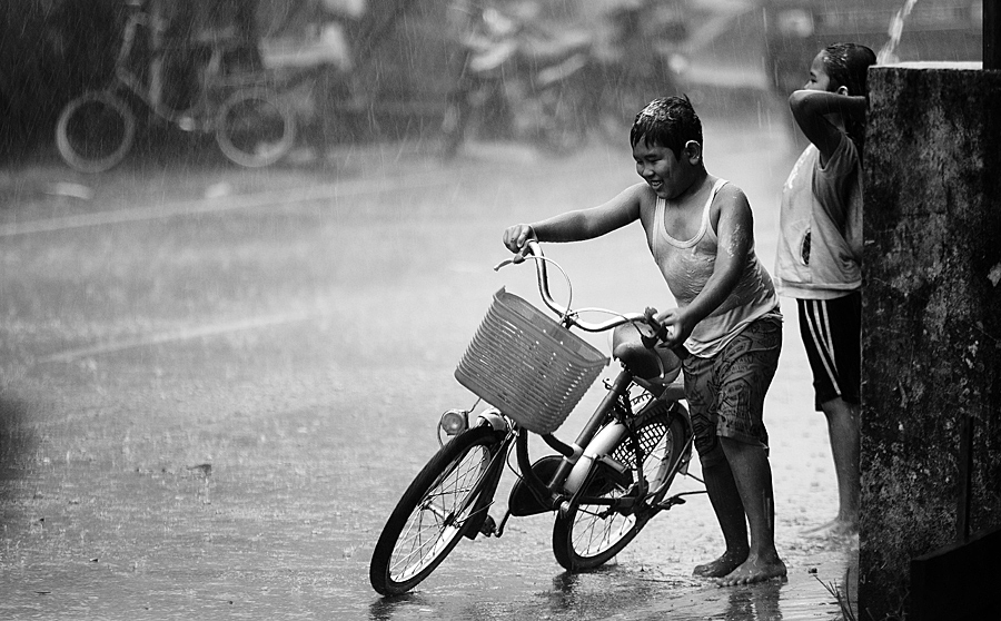 playing in the rain by M Fathra  Nazrul Islam - News & Events World Events