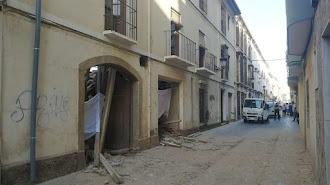 Una vivienda de la calle Nueva de Berja se vino a bajo y murió un trabajador.