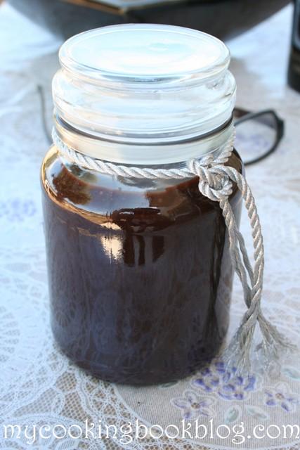 Гъст шоколадов сос