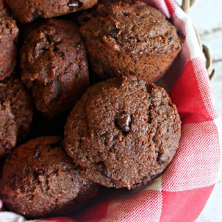 """Chocolate """"Juicing Muffins"""" (With Carrot Cake Variation)."""