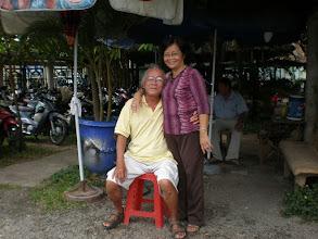 Photo: Thầy Tân và Sinh (khóa 1) (miễn bình)