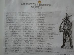 Photo: les commandements du pèlerin