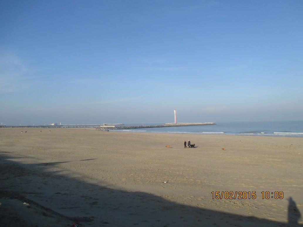 de Oostelijke strekdam voor de haven van Oostende
