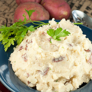 Slow Cooker Buttery Garlic Mashed Potatoes + GIVEAWAY!
