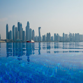 Cities that grow by Anthony Schwab - Buildings & Architecture Other Exteriors ( anthonyschwab.com, on the streets of dubai, buildings, the palm jumeirah, endless pool )