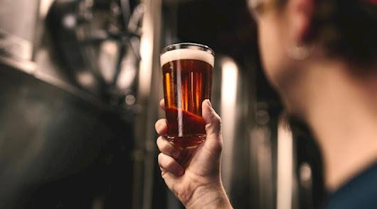 Los efectos beneficiosos de tomar dos cervezas al día