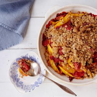 Mango-Strawberry Crumble