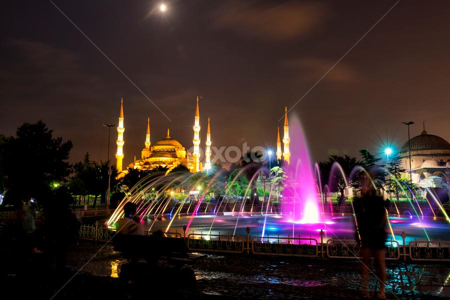 by Rafael Uy - City,  Street & Park  Vistas ( pwcmoonscapes )
