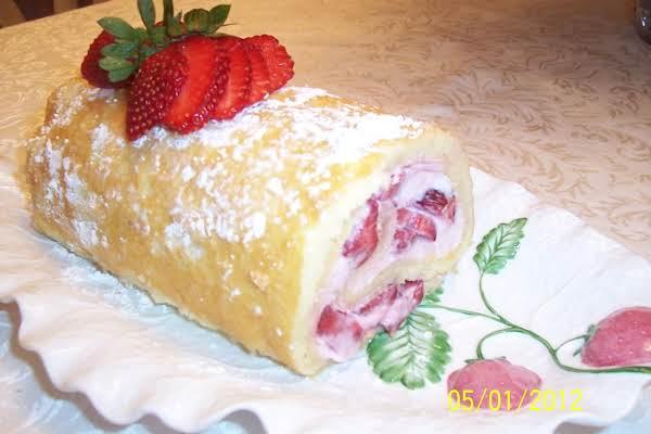 Strawberry Cake Roll Recipe