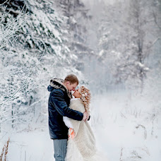 Wedding photographer Yuliya Bazhneva (Friza). Photo of 04.01.2013