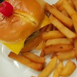 Kids' Cheeseburger