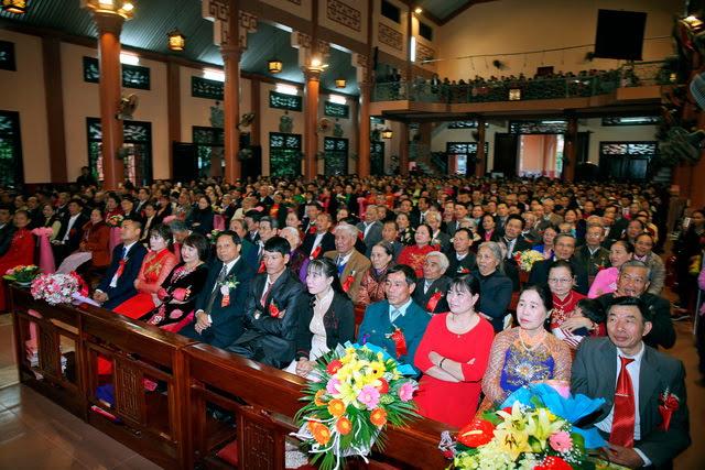 GP Phát Diệm: Gần 300 cặp vợ chồng mừng kỷ niệm thành hôn - Ảnh minh hoạ 7