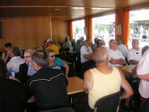 Photo: Alle haben Platz genommen auf dem Schiff. Es kann los gehen. Die Dreiseenrundfahrt beginnt.  Bielersee-Neuenburgersee-Murtensee.