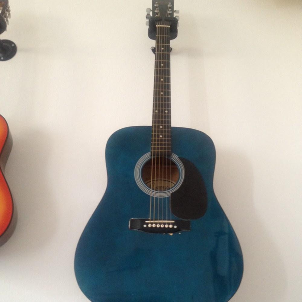 Chitarra acustica usata corde nuove 009