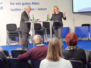 Photo: Links Herr Fasnacht der Organisator.