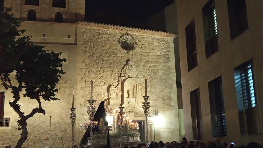 La Virgen de la Soledad llegando a su encuentro con Las Puras