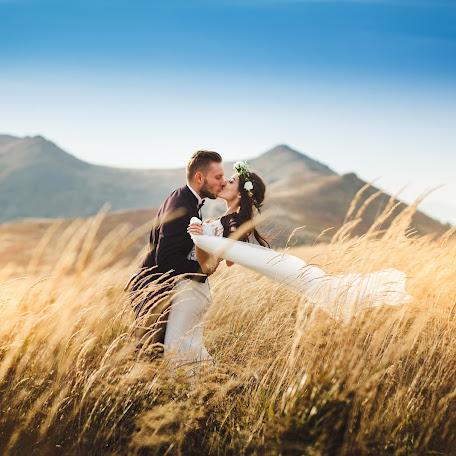 Wedding photographer Marcin Walawender (MarcinWalawende). Photo of 25.10.2017