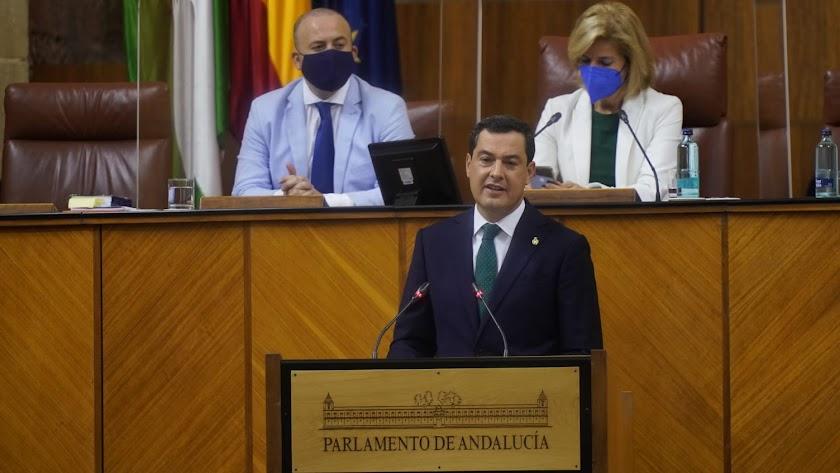 Juanma Moreno Bonilla, esta mañana en el Debate de la Comunidad en el Parlamento de Andalucía.