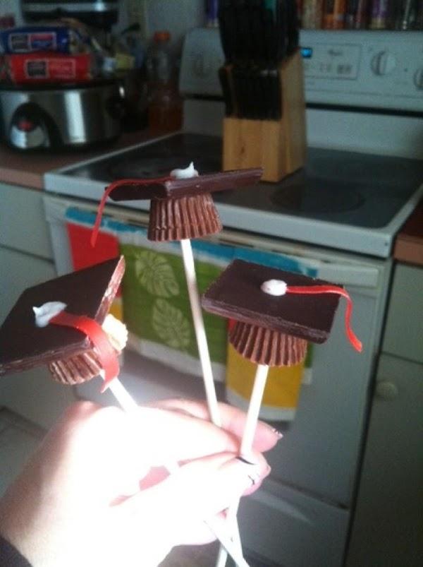 graduation cap lollipops