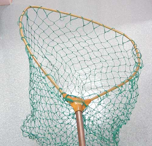 A pole net can be used for capturing waterfowl
