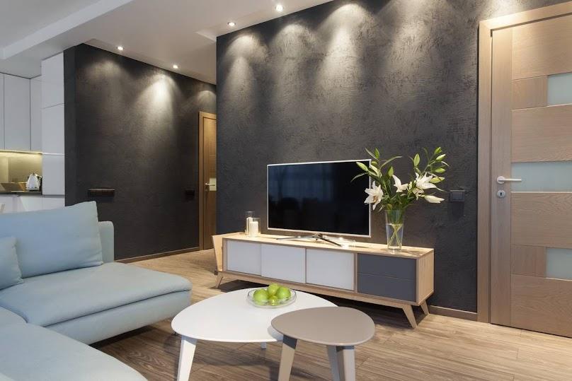 Tynk strukturalny w nowoczesnym salonie